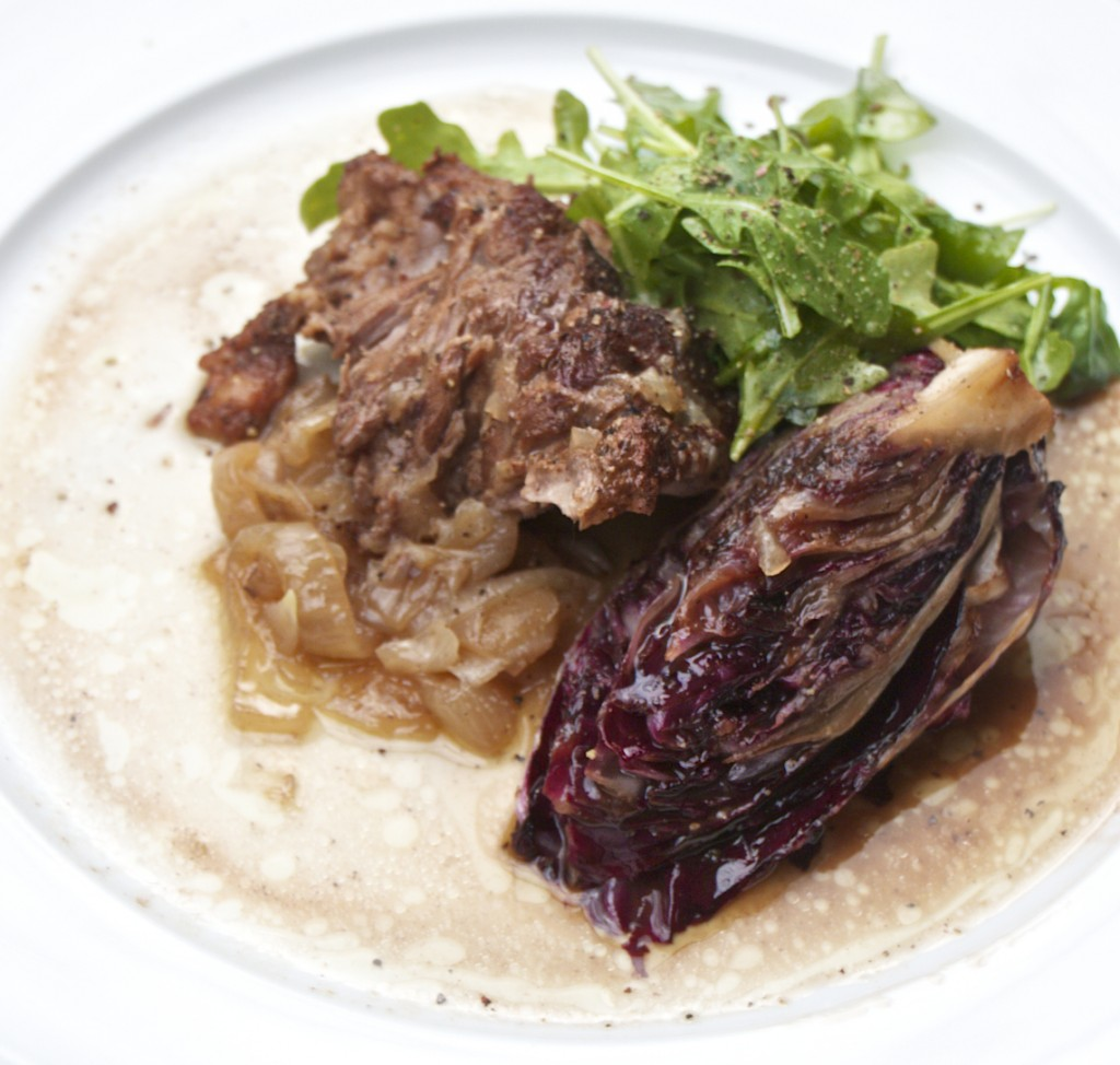 "<alt img=""Spice-Rubbed Pork Shoulder with Radicchio and Balsamic Vinegar""/>"