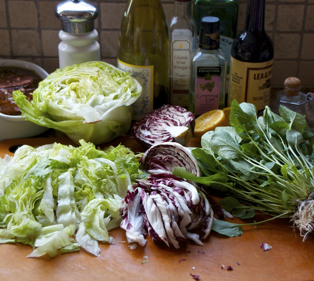 "<img alt=""salad ingredients""/>"
