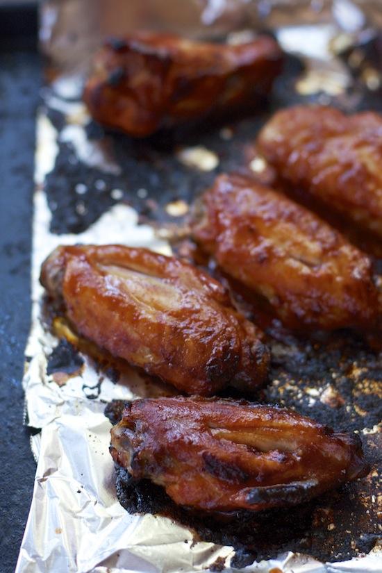 """<img alt=""""baked hot wings""""/>"""