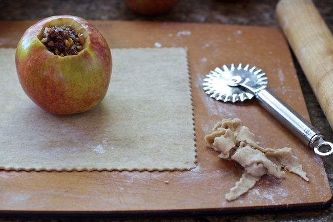 "<img alt=""trimmed apple dumpling dough""/>"
