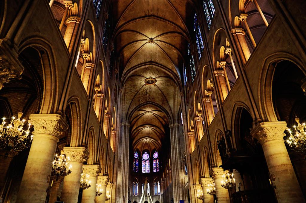 """<alt img=""""Notre Dame Interior Lights""""/>"""