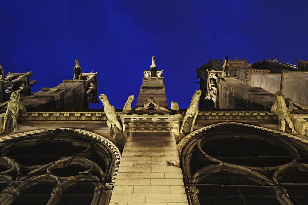 "<img alt=""Notre Dame Gargoyles""/>"