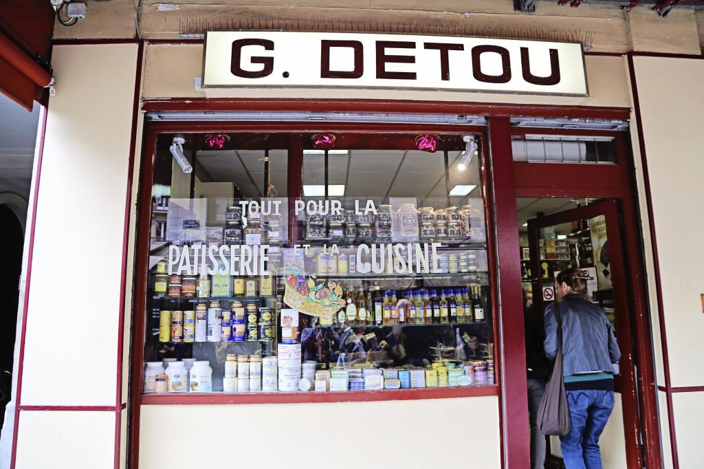 """<alt img=""""G. Detou Paris""""/>"""