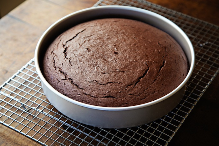 "<img alt=""Cooling Chocolate Cake Layer""/>"