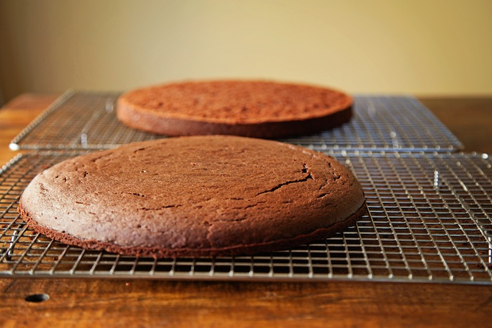"<img alt=""Split Chocolate Cake Layer""/>"