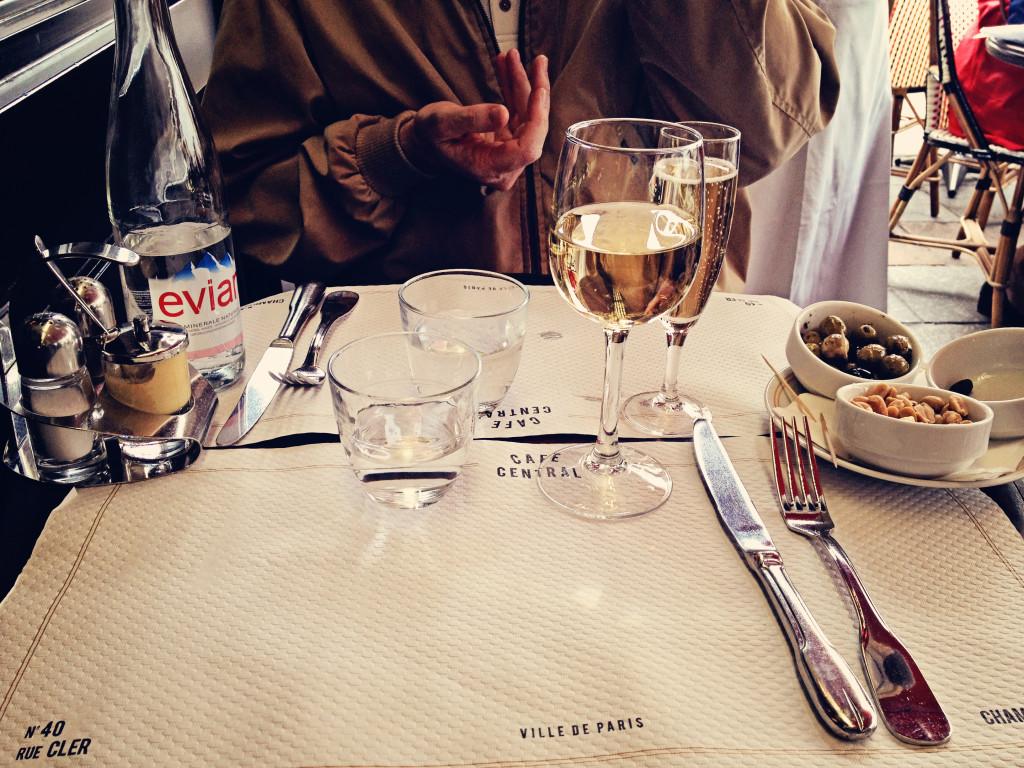 """<img alt=""""Cafe Central on Rue Cler Paris""""/>"""