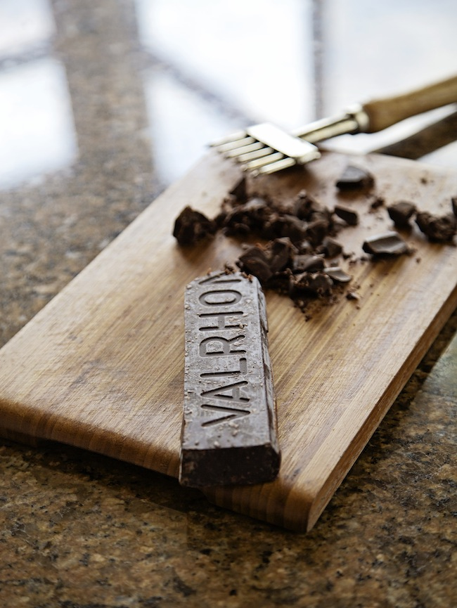 "<img alt=""Valhrona Chocolate Bar""/>"