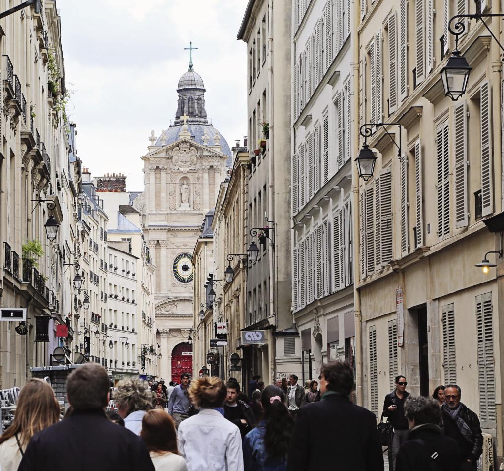 """<alt img=""""Paris Street""""/>"""