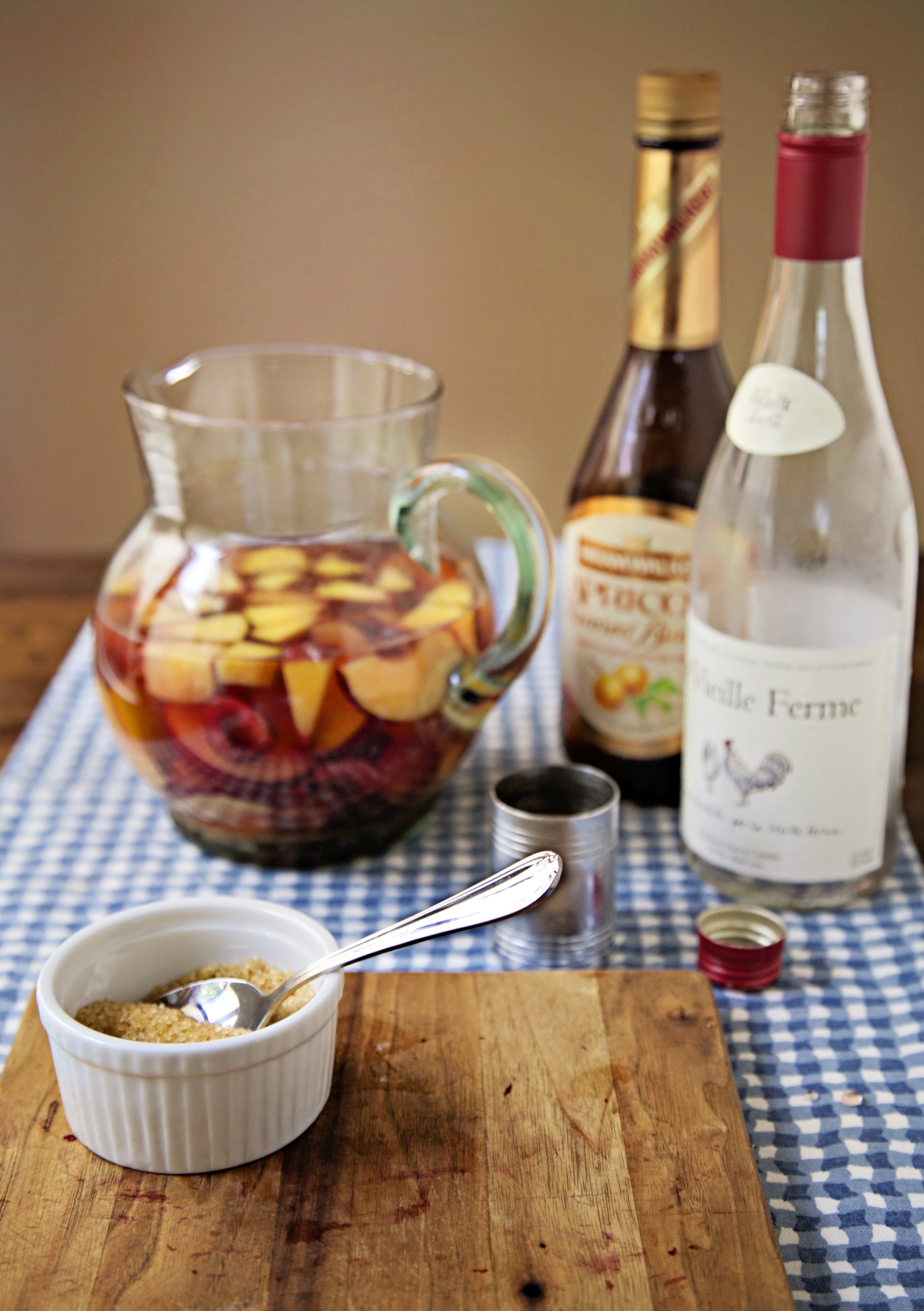 "<img alt=""Making Sangria with Rosé""/>"