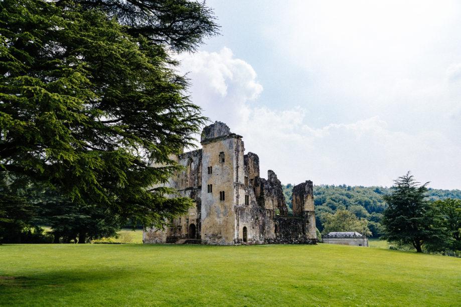 "<alt img=""Old Wardour Castle""/>"