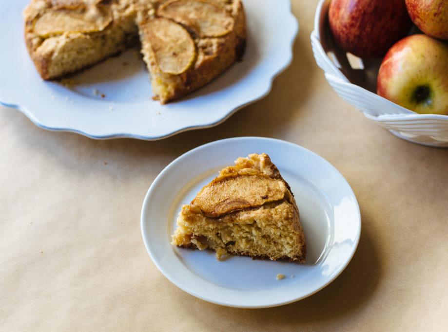 """<alt img=""""Dorset Apple Cake""""/>"""