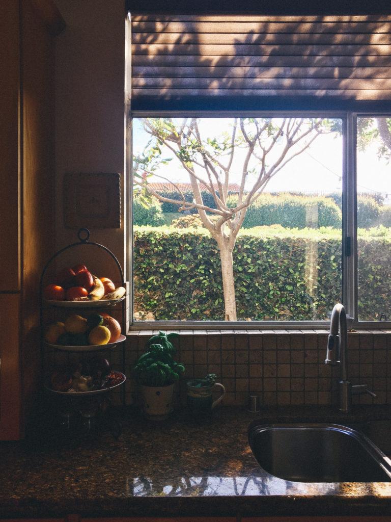 """<alt img=""""Kitchen Window""""/>"""